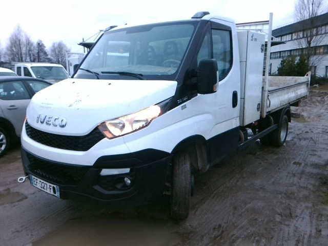 Iveco Iveco Daily Ccb III 35C13 D Empattement 3750 Leaf